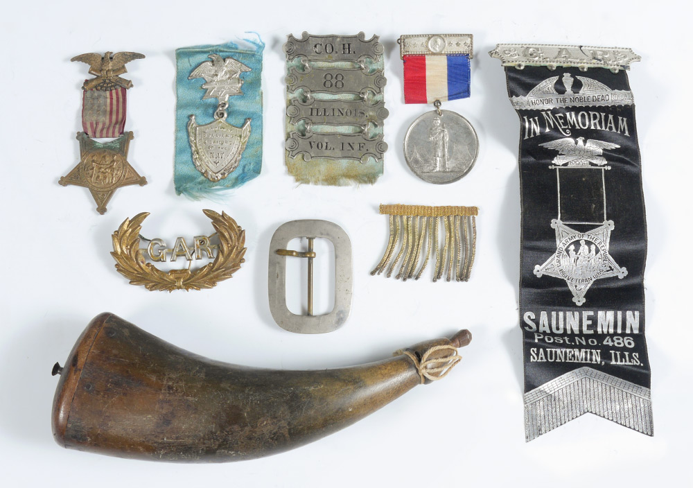 COLLECTION OF CIVIL WAR G.A.R. VETERAN ITEMS: