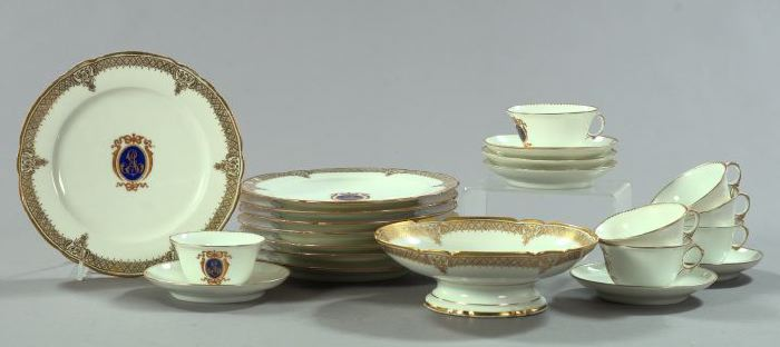 Attractive Twenty-Two-Piece French Porcelain