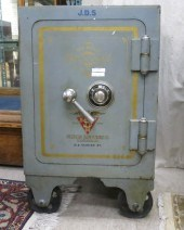 Price guide for Antique safe by the Victor Safe and Lock