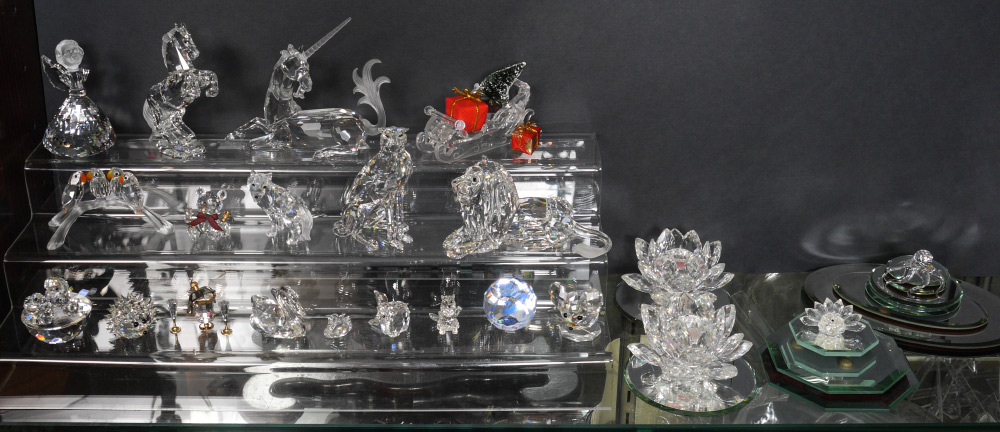 ESTATE LOT OF SWAROVSKI CRYSTAL FIGURES:
