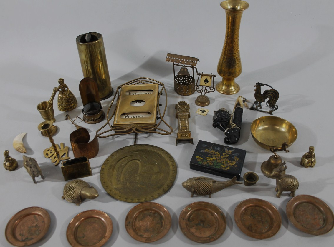 Various brass and metalware, to include a