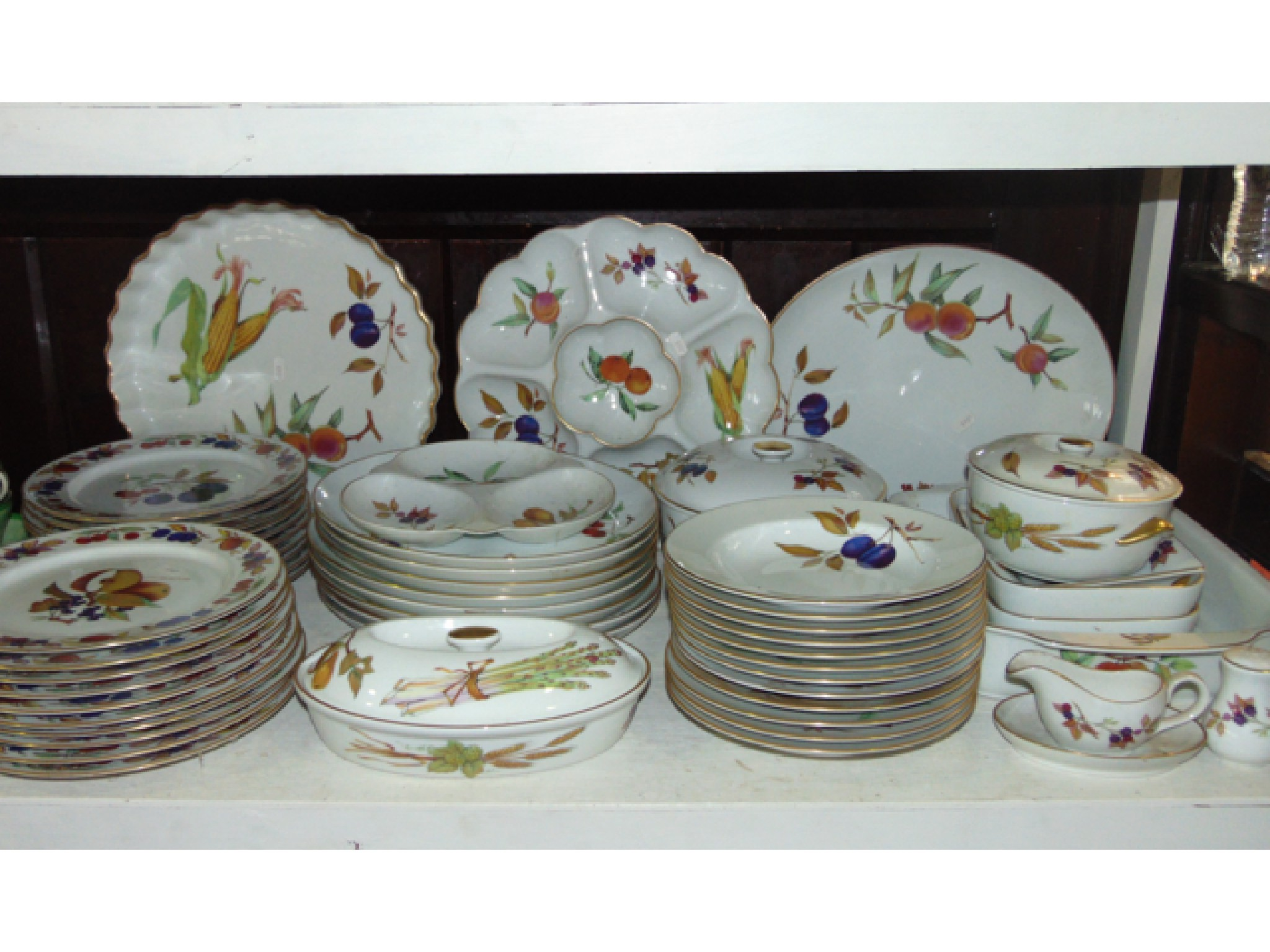 A extensive quantity of Royal Worcester oven