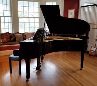 Yamaha Model G3 Black Lacquer Baby Grand