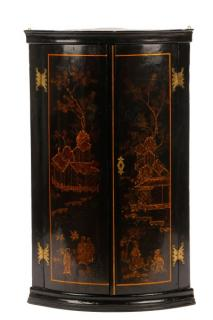Chinoiserie Lacquered Hanging Corner Cupboard