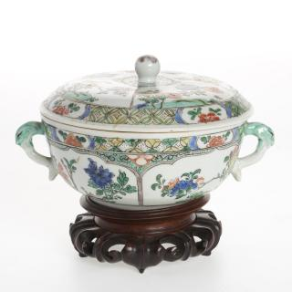 Chinese famille vert porcelain bowl and cover