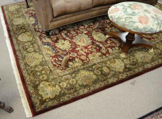 Contemporary Oriental room size carpet, 8'