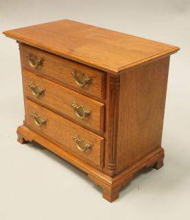 Miniature Salesman Sample 3 Drawer Chest.
