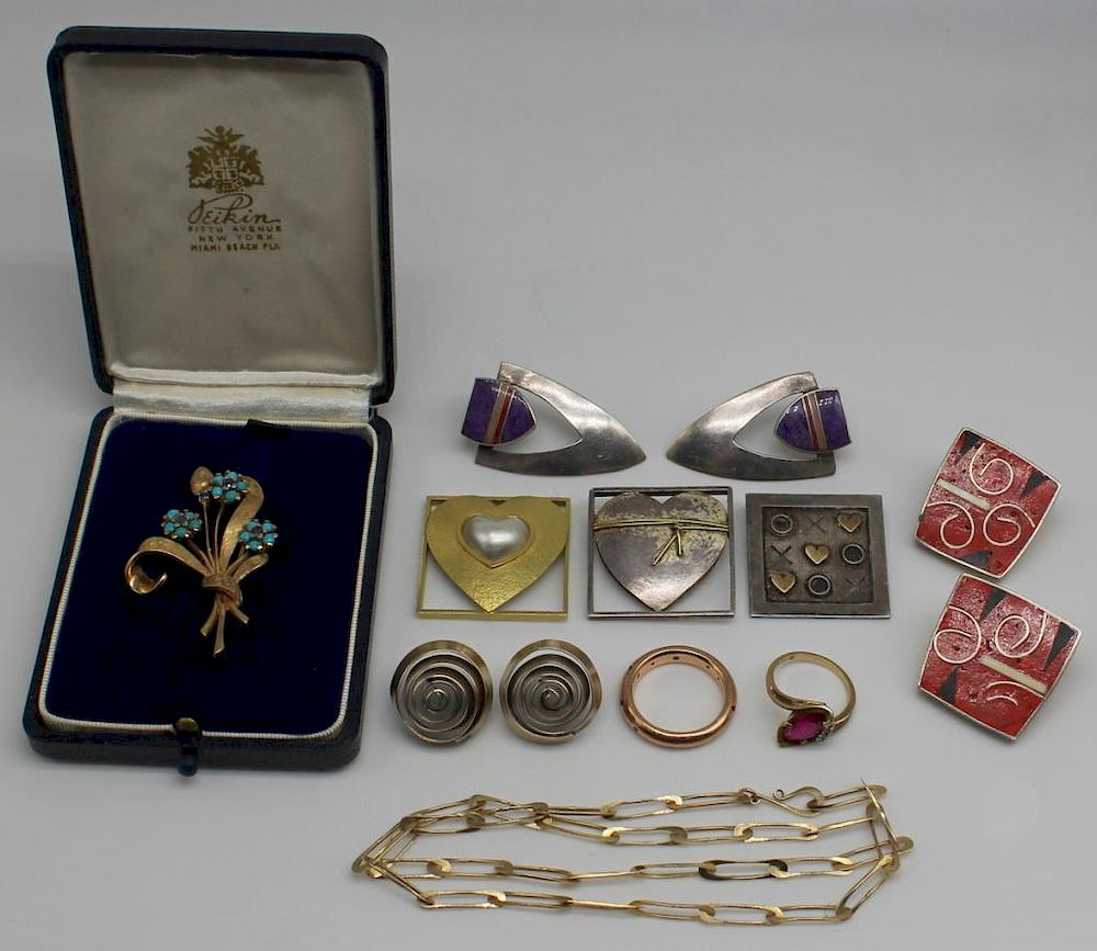 JEWELRY. Assorted Gold and Silver, Inc. Pat