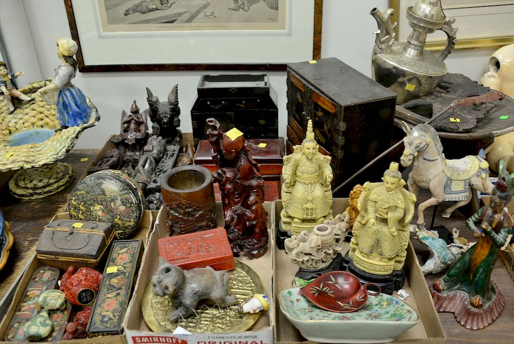 Four tray lots with Oriental items to include