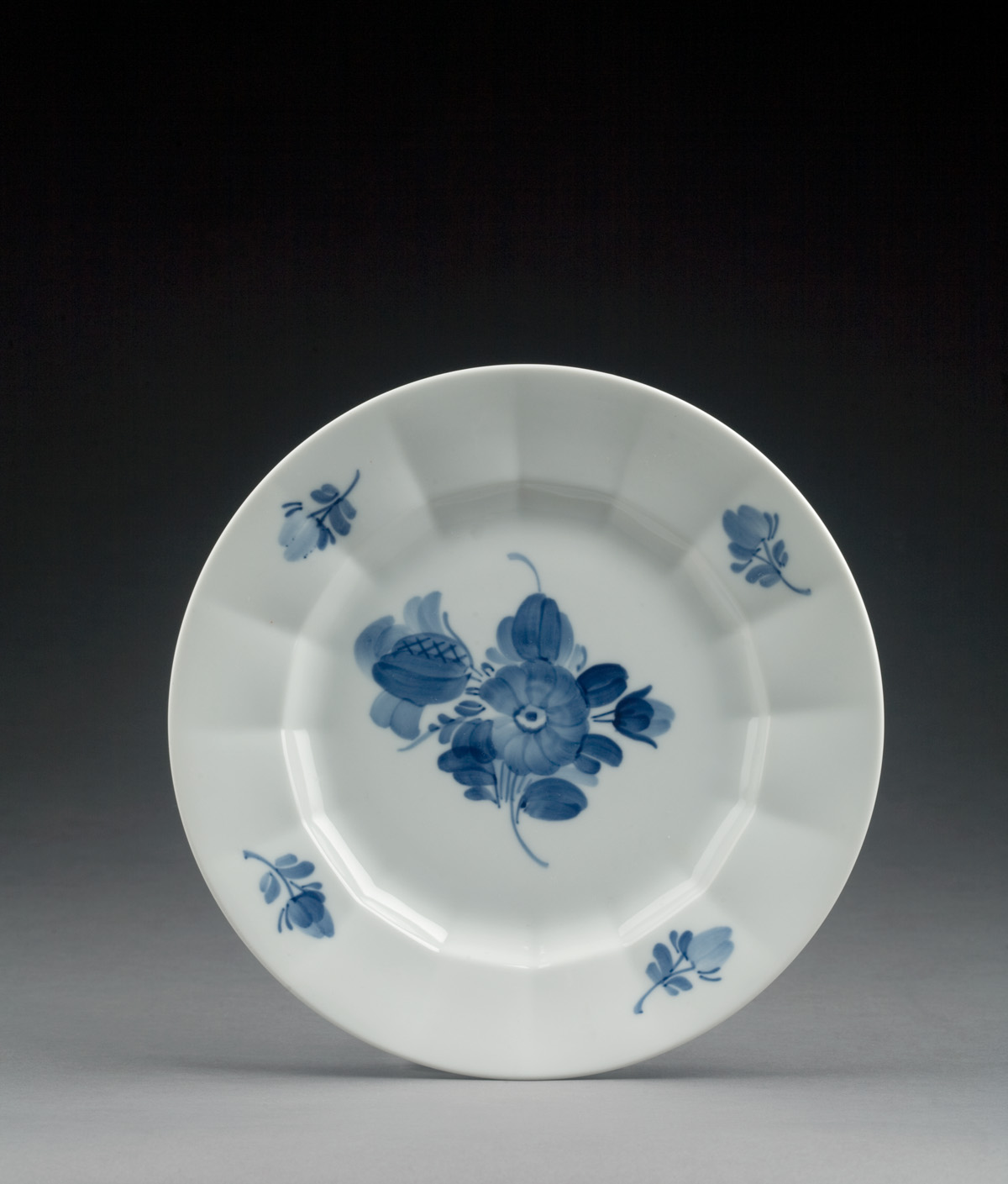 ROYAL COPENHAGEN PORCELAIN 'BLUE FLOWERS'