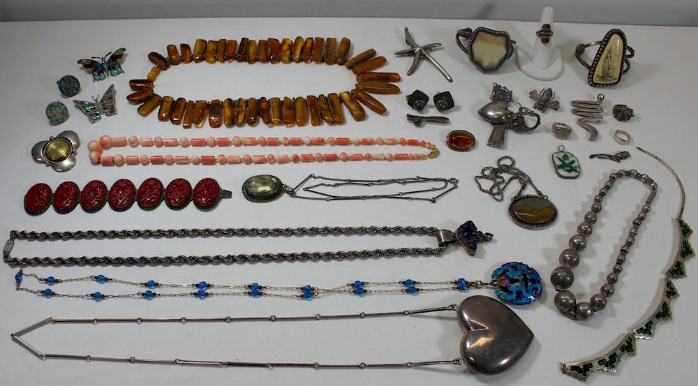 JEWELRY. Assorted Jewelry Inc. Silver. :