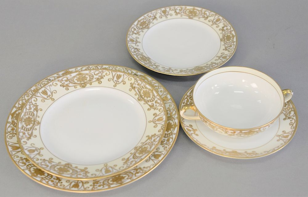 Noritake large dinnerware set with raised