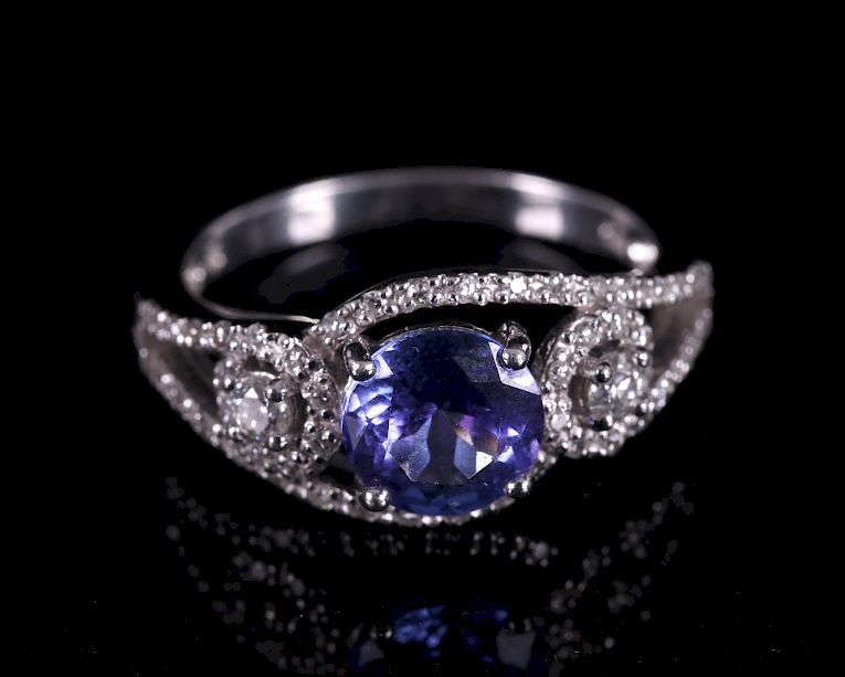 Tanzanite and Diamond 18k White Gold Ring:
