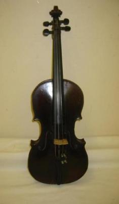 AN 18TH CENTURY FRENCH VIOLIN attributed