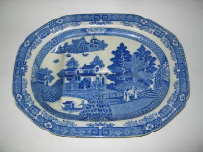 A SPODE POTTERY MEAT PLATE, early 19th century,