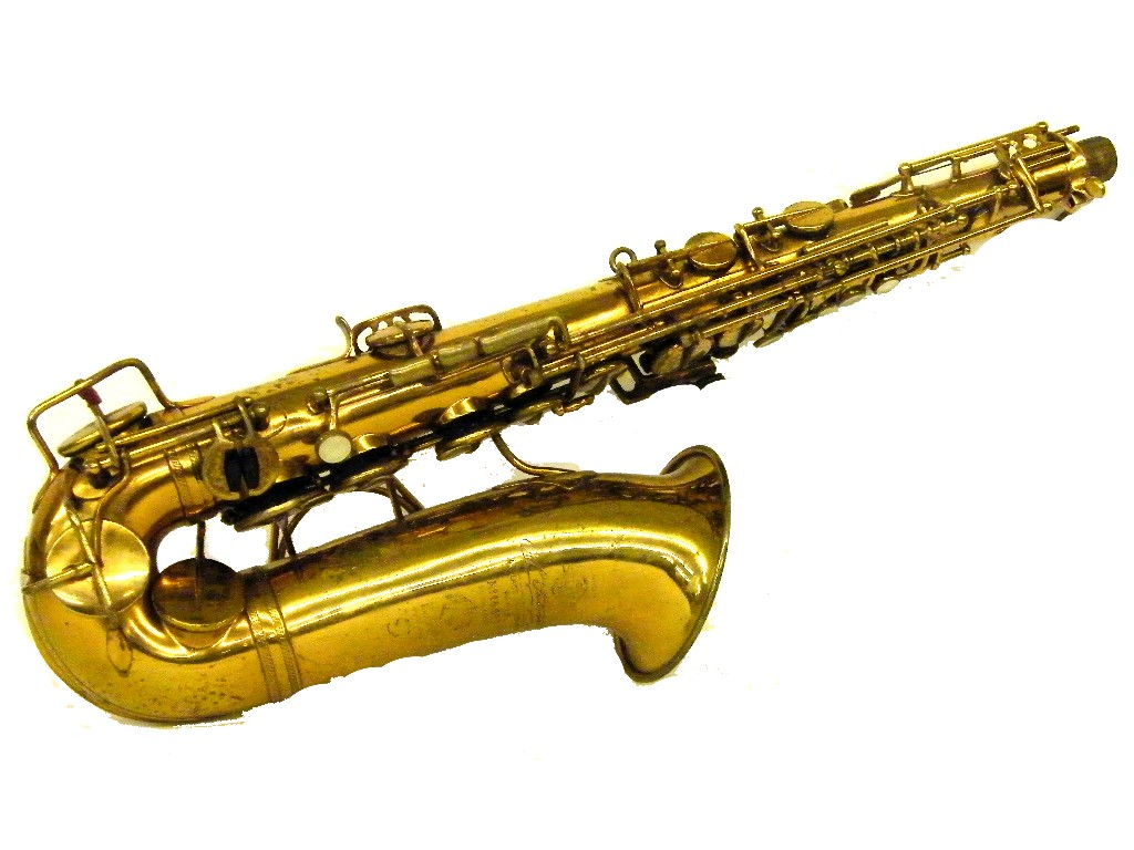 Price guide for Good Selmer gold lacquered alto saxophone,