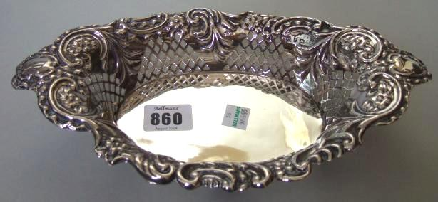 A Victorian silver shaped oval sweetmeat