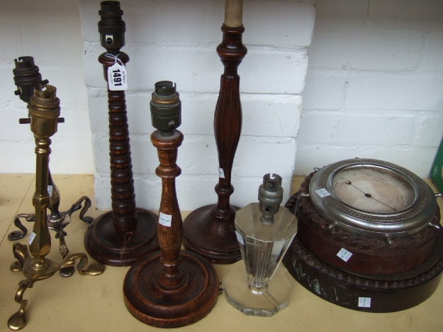 A quantity of metalware collectables including