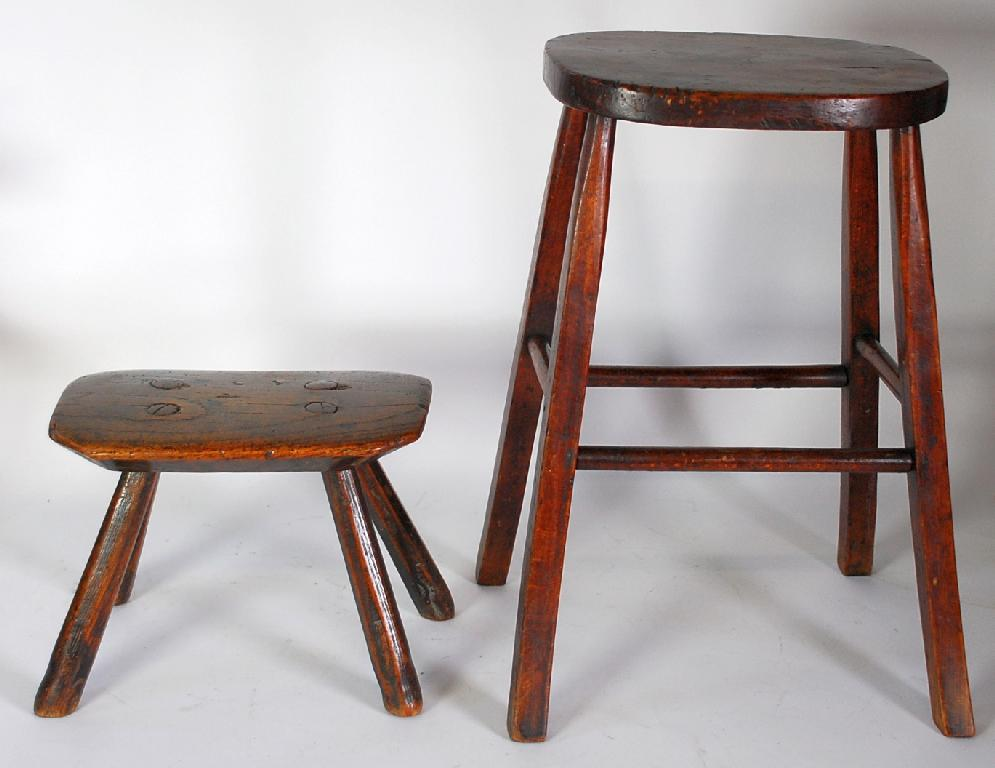 EARLY NINETEENTH CENTURY SMALL ELM MILKING
