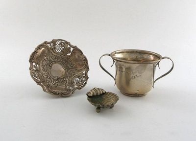 A mixed lot of silver items, various dates